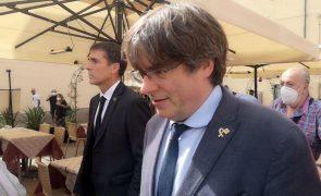 Independentista Carles Puigdemont confirma que vai viajar para fora de Itália