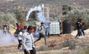 Quatro palestinianos mortos em confrontos com exército israelita