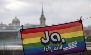 Suíça aprova casamento entre pessoas do mesmo sexo