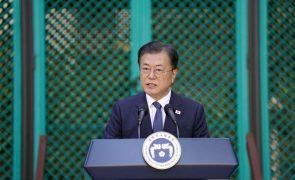 Presidente da Coreia do Sul abre à porta à proibição do consumo de carne de cão