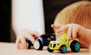 Nova terapia em bebés pode reduzir probabilidade de autismo