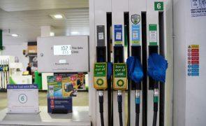 Governo britânico diz que situação dos combustíveis está a estabilizar