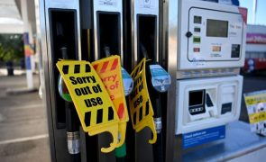 Portugueses afetados pela escassez de combustível no Reino Unido