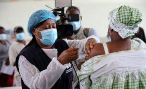 Covid-19: UNITA quer reforço da vacinação após 100 mortes em Angola em oito dias