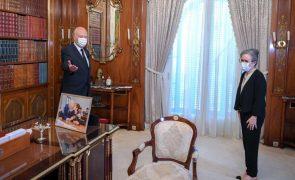 Presidente da Tunísia nomeia pela primeira vez uma mulher para chefiar o governo