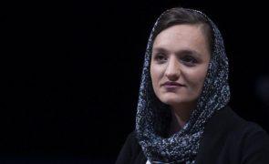 Afeganistão: Ativista afegã Zarifa Ghafari desafia talibãs a terem a coragem de negociar com mulheres
