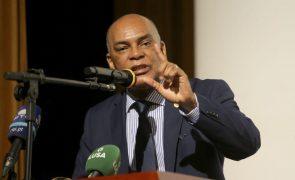 Oposição angolana formaliza Frente Única Patriótica na terça-feira