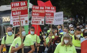 Trabalhadores da Saint-Gobain querem novas reuniões com o Governo