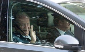 Juan Carlos afirma estar nos Emirados Árabes Unidos para não incomodar a coroa
