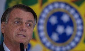 Covid-19: Bolsonaro diz que foi alvo de troça em Portugal por defesa de fármacos sem eficácia