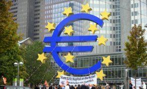 Ministros das Finanças da zona euro debatem na 2.ª feira escalada dos preços da energia