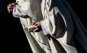 Entre 2.900 e 3.200  pedófilos na Igreja Católica francesa desde 1950 - comissão