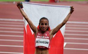 Kalkidan Gezahegne bate recorde dos 10 quilómetros