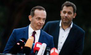 SPD e liberais alemães consideram primeiros contactos
