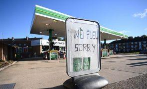 Militares começaram a hoje a distribuir combustível no Reino Unido