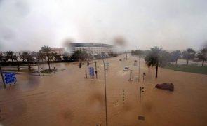 Pelo menos 13 mortos em Omã e Irão devido ao ciclone Shaheen