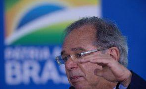 Ministro da Economia do Brasil nega irregularidades apontadas na 'Pandora Papers'