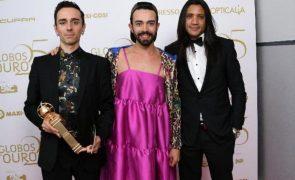 Maria João Abreu Filho surpreende com vestido cor-de-rosa nos Globos e a culpa é do neto
