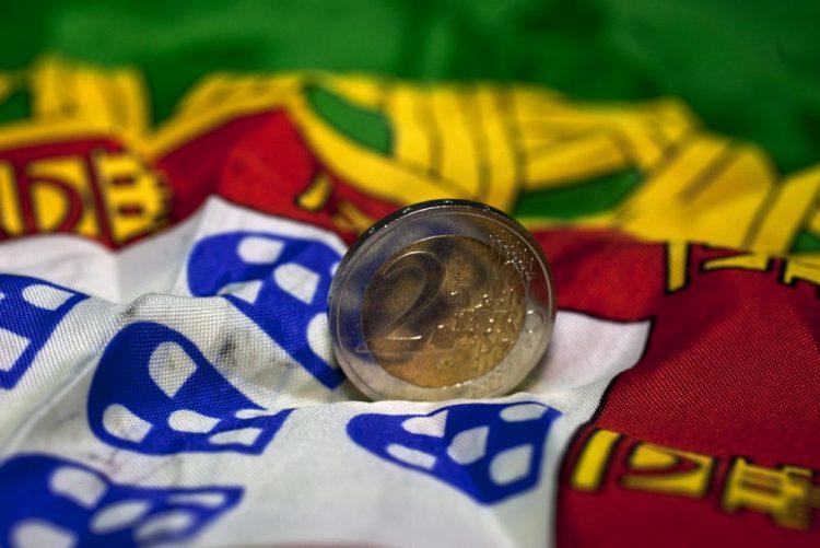 Portugal emite 3.000 ME em dívida a 10 anos com taxa superior a 4% - Bloomberg