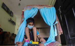 Covid-19: UNICEF alerta para impacto duradouro na saúde mental das crianças e jovens