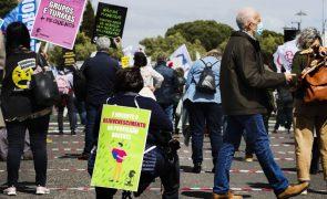 Sindicatos assinalam hoje Dia Mundial do Professor com manifestação e um 'webinário'