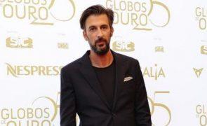 Bruno Nogueira mostra mensagem da filha nos Globos de Ouro e deixa todos a rir