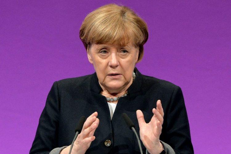 Mário Soares: Chanceler alemã lamenta morte de