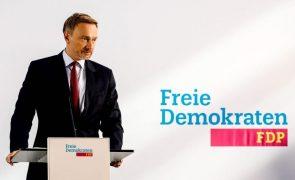 Alemanha/Eleições: Liberais anunciam conversações com SPD e Verdes