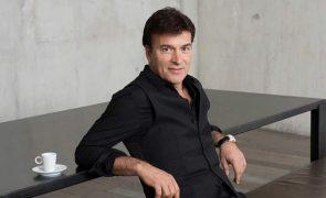 Tony Carreira assina contrato de exclusividade com a TVI e vai ter uma série