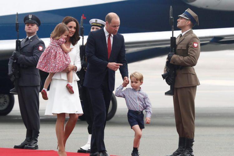 Aniversário da Rainha de Inglaterra: A queda de Charlotte e a reprimenda a George