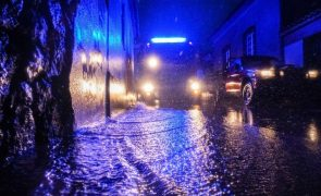 Mau tempo provoca inundações em vias públicas e habitações em Ponta Delgada