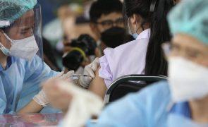 Covid-19: ONU lança estratégia para vacinar 40% em todos os países até fim do ano