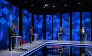 Legislativas checas decorrem hoje e sábado com sondagens favoráveis ao PM cessante