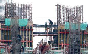 Crescimento da produção na construção desacelera para 2,6% em agosto