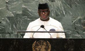 Presidente da Serra Leoa promulga abolição da pena de morte
