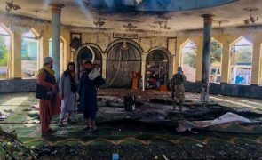 Estado Islâmico reivindica atentado contra mesquita no Afeganistão