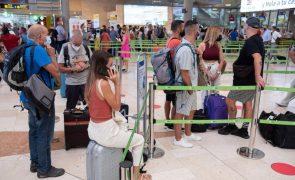 Retomada atividade no aeroporto de La Palma