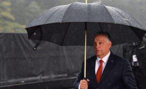 Governo húngaro apoia Polónia sobre primado da legislação nacional face à europeia