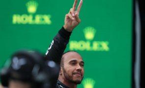 Hamilton com a 102.ª 'pole' na F1, mas é Bottas quem sai à frente na Turquia