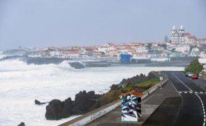 Todas as ilhas dos Açores sob aviso amarelo devido a precipitação forte