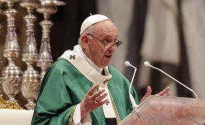 Papa pede ao clero uma igreja