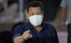 Presidente filipino mantem silêncio sobre Nobel da Paz atribuído a opositora