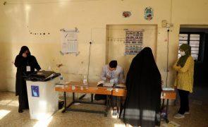 Encerraram as assembleias de voto para as legislativas antecipadas no Iraque