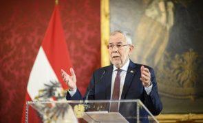 PR austríaco saúda demissão de Kurz e pede empenho para restaurar confiança