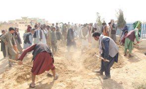 Talibãs anunciam que EUA vão fornecer ajuda humanitária ao Afeganistão