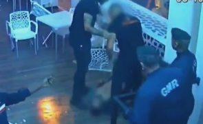 Homem espancado por segurança em discoteca tem fratura no maxilar [imagens fortes]