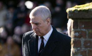 Polícia britânica não tomará medidas adicionais em investigação contra o príncipe André