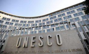 UNESCO cumpre um minuto de silêncio por Jorge Sampaio em Paris