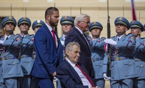 Presidente checo continua hospitalizado, mas está estabilizado