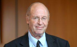 O mundo atual falhou no combate aos ditadores -- historiador Gideon Greif